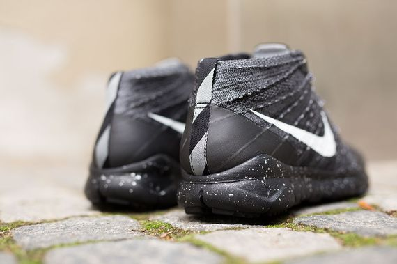 nike-flyknit trainer chukka-black-grey_02