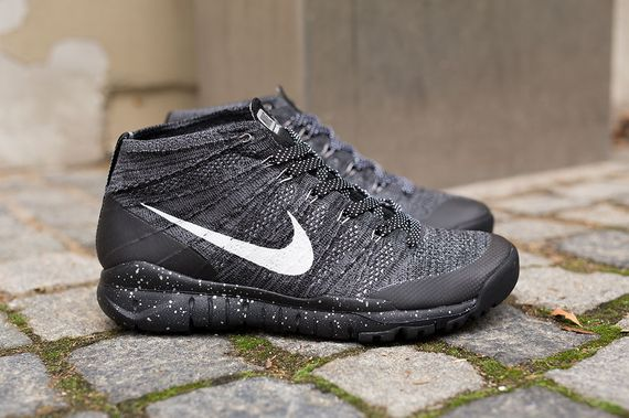 nike-flyknit trainer chukka-black-grey_04