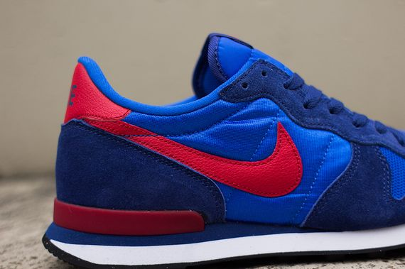 nike-internationalist-cobalt-gym