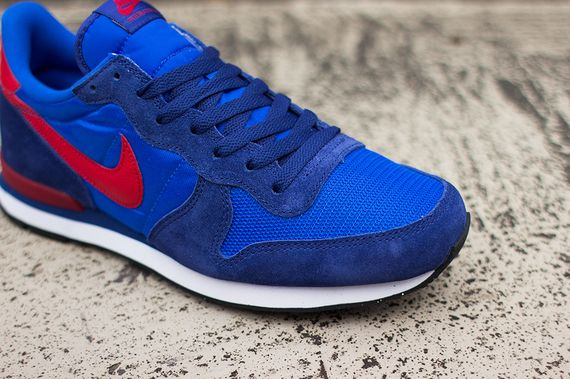 nike-internationalist-cobalt-gym_02