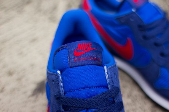 nike-internationalist-cobalt-gym_04