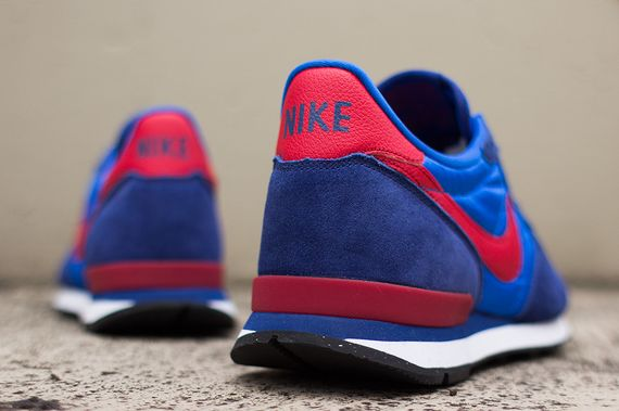 nike-internationalist-cobalt-gym_05