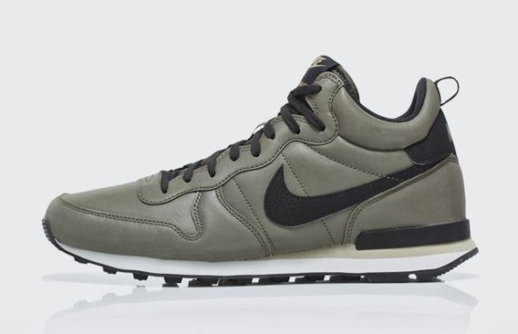 nike-internationalist mid-qs pack_16