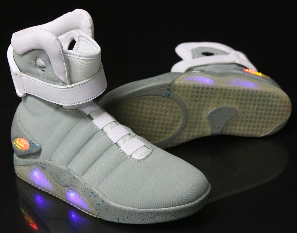 nike-mag-back-to-the-future-costume-shoes-01