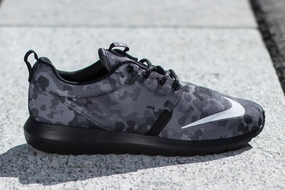 nike-roshe run nm fb-dark grey camo