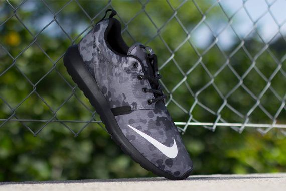 nike-roshe run nm fb-dark grey camo_03