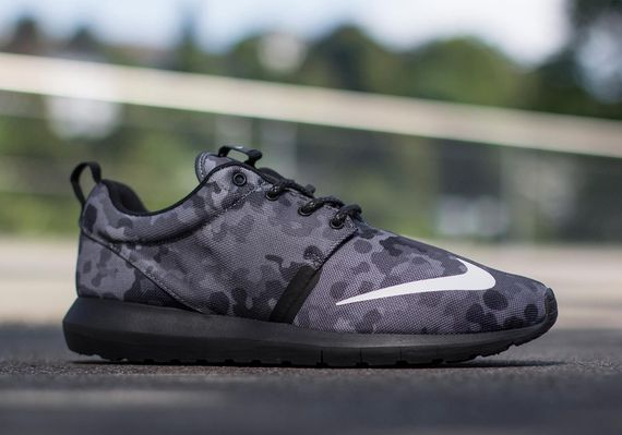 nike-roshe run nm fb-dark grey camo_04