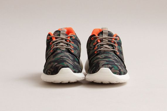 nike-roshe run-tiger camo_02