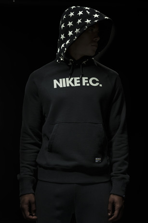 Ho14_NSW_NikeFC_AW77_Hoodie_001_large