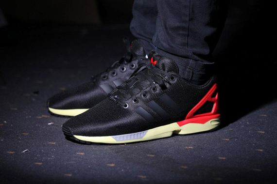 adidas og-zx flux-core black-red