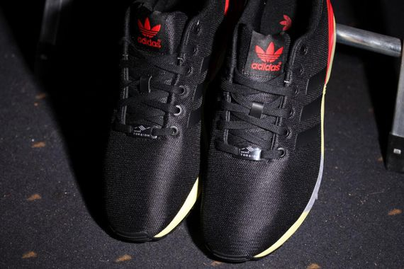 adidas og-zx flux-core black-red_03
