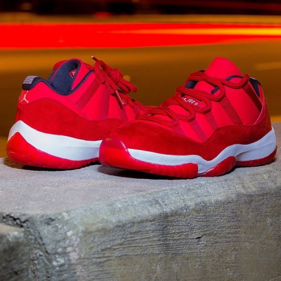 air jordan-11 low-red suede