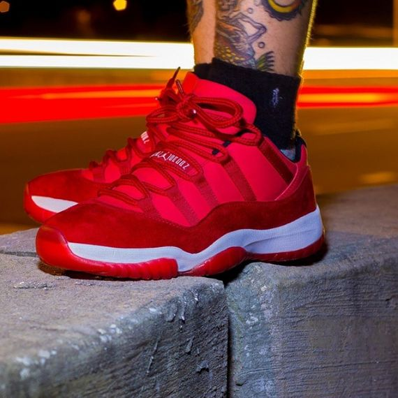 air jordan-11 low-red suede_02