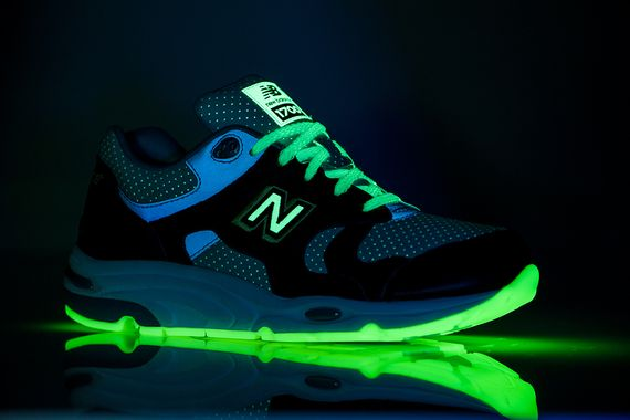 barneys new york-new balance-1700