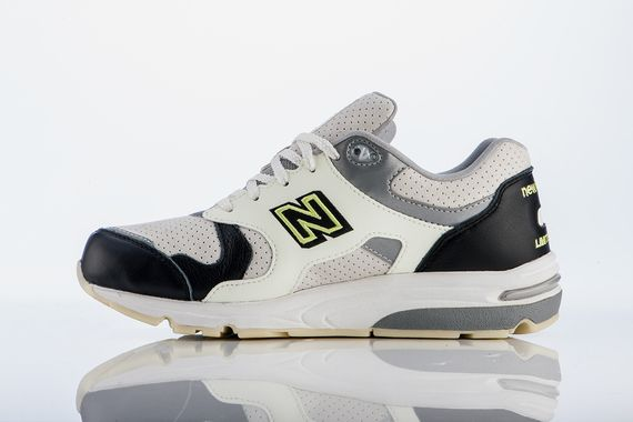 barneys new york-new balance-1700_03