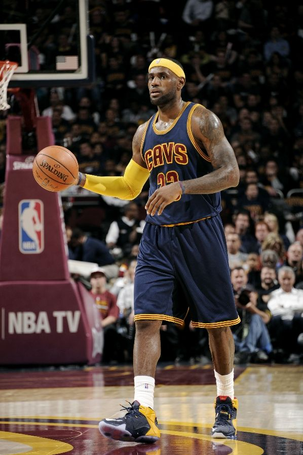 lebron-james-nike-lebron-12-opening-night-pe-1