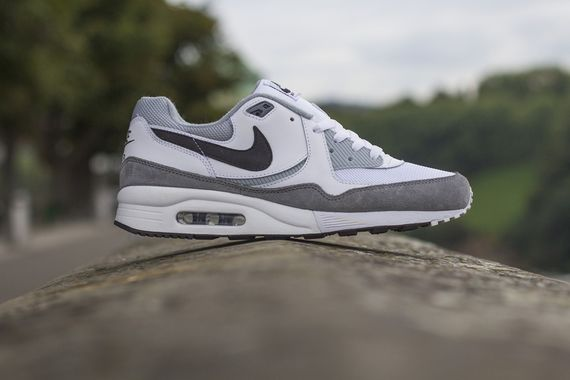 nike-air max light ess-white-black-grey_04