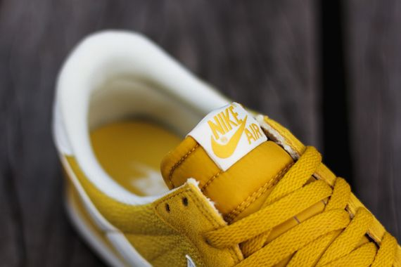 nike-air pegasus 83-gold lead-sulfur_04