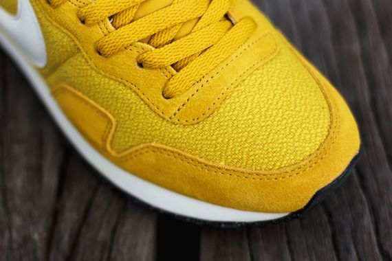 nike-air pegasus 83-gold lead-sulfur_05