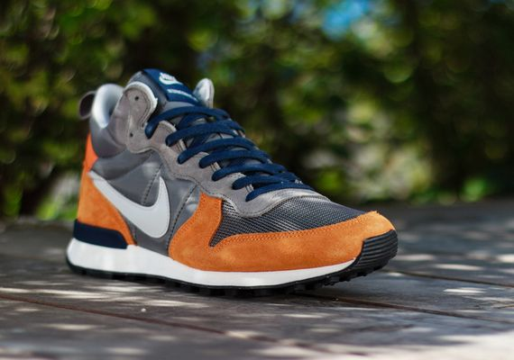 nike-internationalist mid-copper-grey