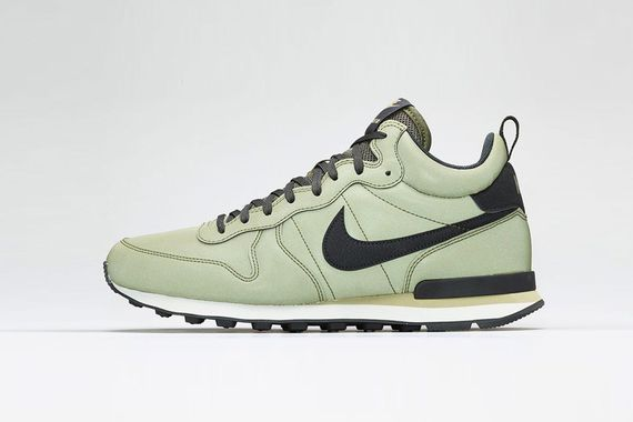nike-internationalist mid-reflective pack_02