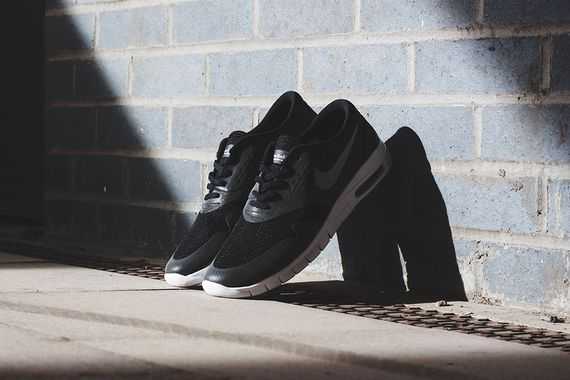 nike sb-eric koston 2 max-black-white reflective-silver