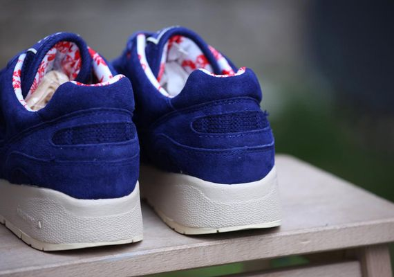 saucony-bodega-shadow 6000-sweater disc_02