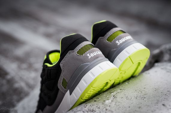 saucony-shadow 5000-black-grey-neon_04
