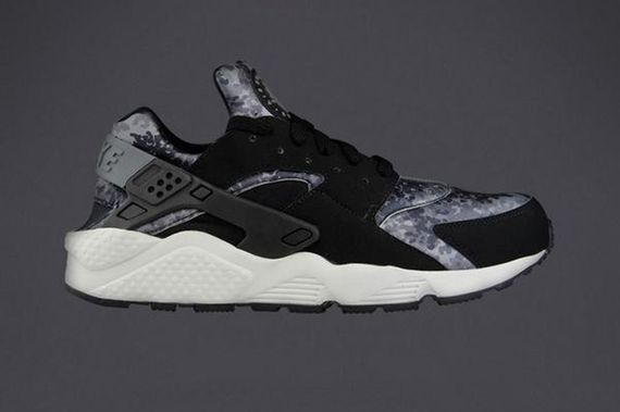 nike-air huarache-snow camo pack