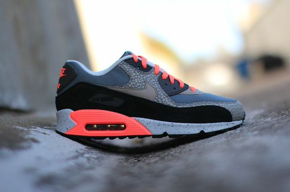 nike-air max 90-hyperpunch-safari