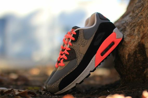 nike-air max 90-hyperpunch-safari_02