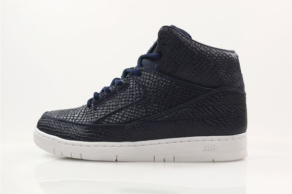 nike-air python-holiday14_04