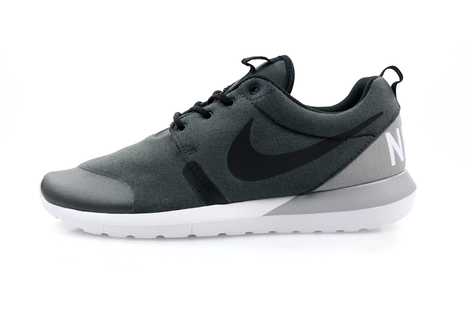 nike-roshe-run-nm-fleece-pack