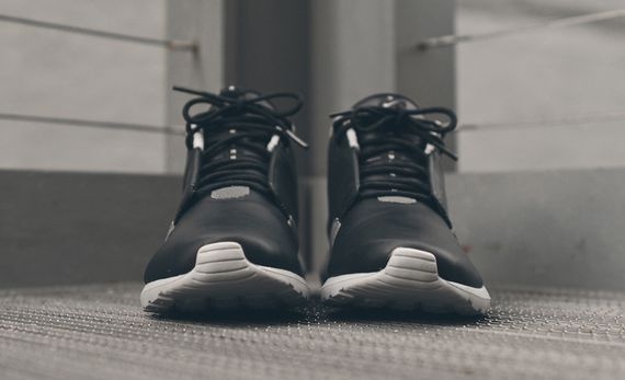 nike-roshe run nm sneakerboot-black-grey_03