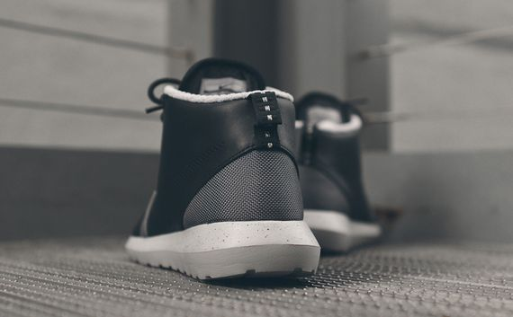 nike-roshe run nm sneakerboot-black-grey_05