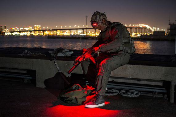 vans syndicate-defcon-holiday14_03
