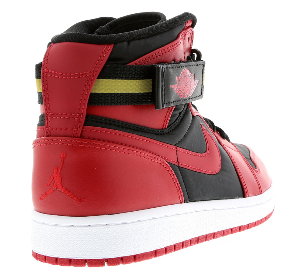 Air-Jordan-1-HI-Strap-Black-Gym-Red-heel