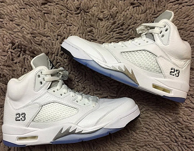 Air-Jordan-5-White-Metallic-Silver-In-Detail-2