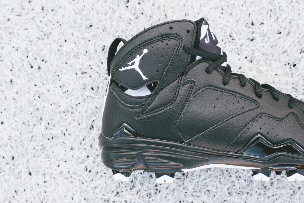 Air_Jordan_7_Retro_MCS_Cleat_684942_010_Sneaker_Politics_4_1024x1024