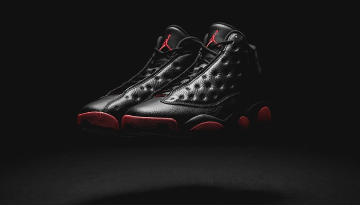 air-jordan-13-black-gym-red-retailers-700x400