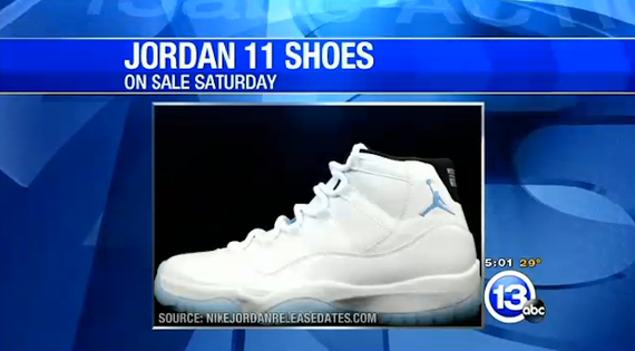 air jordan retro ll legend blue-crowd pepper sprayed by police