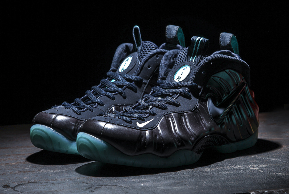 navy-aqua-nike-air-foamposite-pro-1