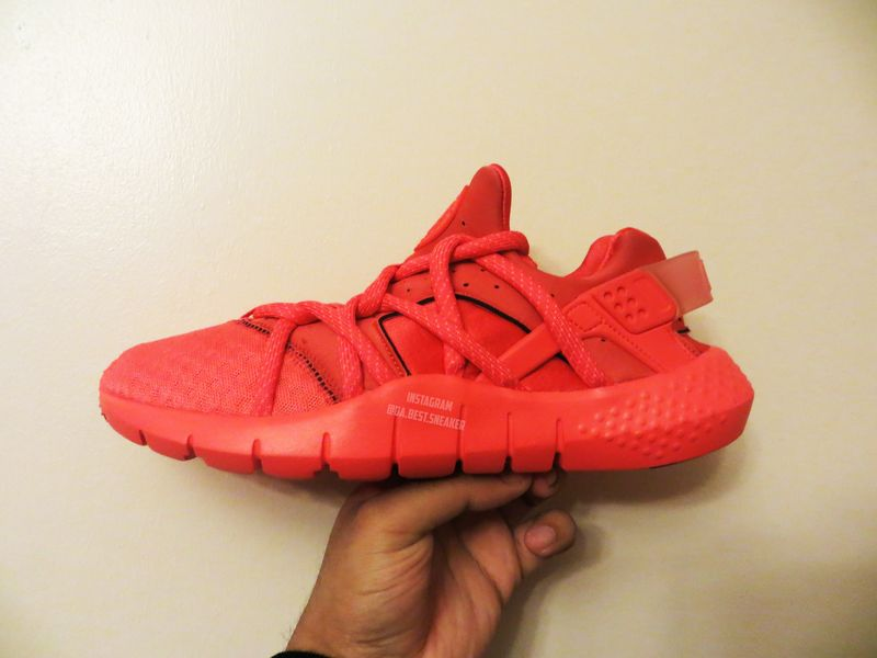nike-air-huarache-2015-red.jpg_03_result