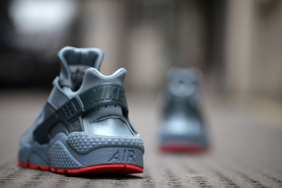 nike-air huarache fb-graphite-crimson_03