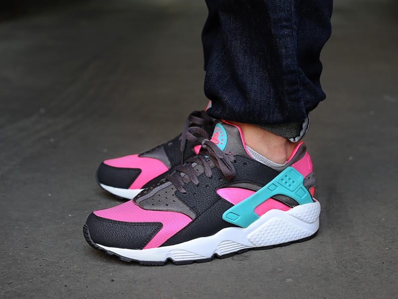 nike-air-huarache-hyper-pink-dusty-cactus-medium-ash-318429-6001
