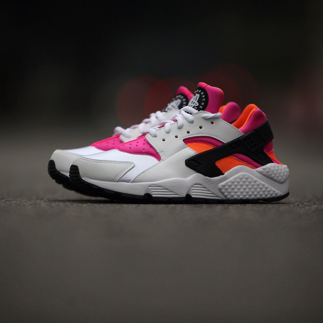 nike-air-huarache-white-pink-orange.jpg_03