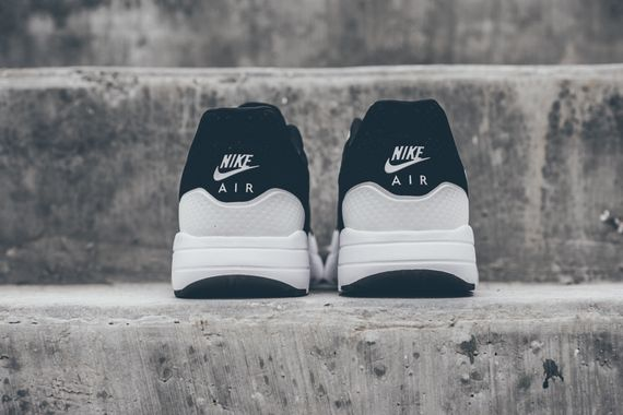 nike-air max 1 ultra moire-black-white_04