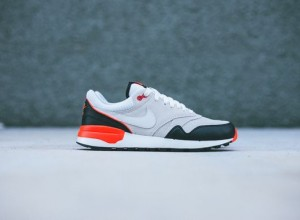 nike-air odyssey-black-gr-red_05