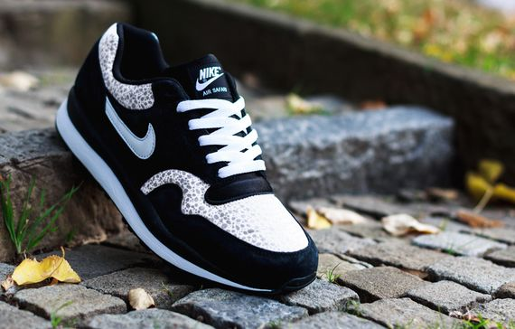 nike-air safari-black-white-grey_03