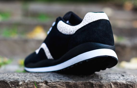 nike-air safari-black-white-grey_06